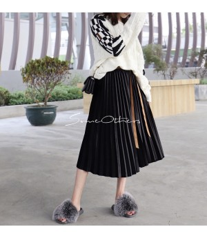 SomeOthers Midi Skirt-Black