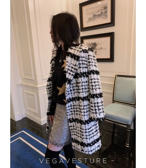 VEGA VESTURE Black and White Coat