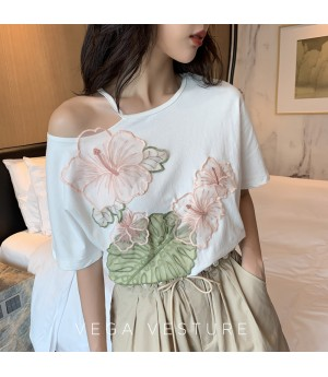 VEGA VESTUER Off-Shoulder Flower Shirt-White