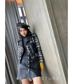 VEGA VESTUER Crude Tweed Coat