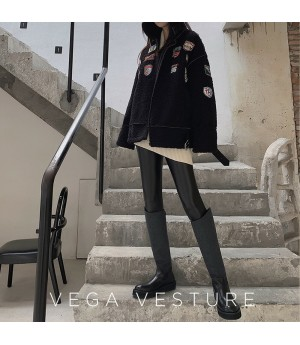 VEGA VESTUER Insignia Wool Coat-Black