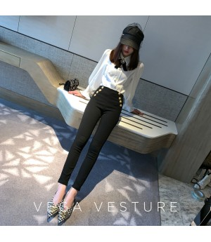 VEGA VESTUER Gold Buckle Pants