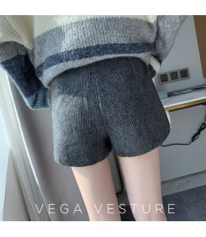VEGA VESTUER Stripe Woolen Short-Light Grey