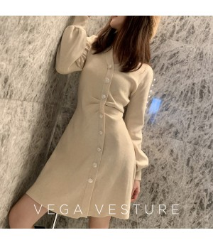 VEGA VESTUER Wrinkle Diamond Button Knit Dress-White