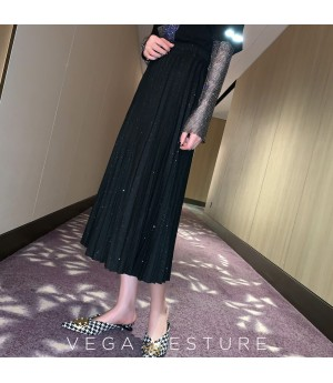 VEGA VESTUER Shinning Wrinkled Skirt-Black