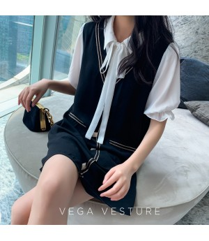 VEGA VESTURE Chanel Style Face Two Piece