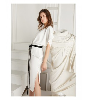 Istyni Midi Dress -White