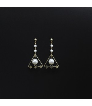 Triangle Pearls Earrings