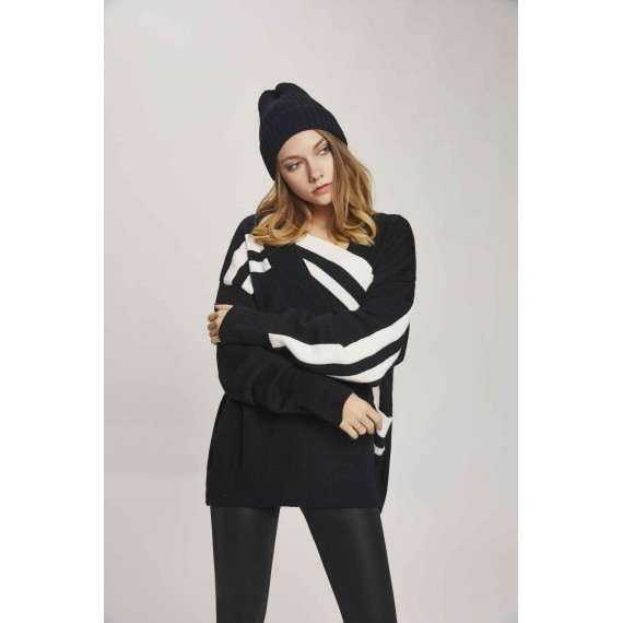 MacyMccoy Black And White Chest Cross Sweater-Black