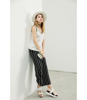 MacyMccoy vertical striped frenulum and broad leg trousers-Black and White