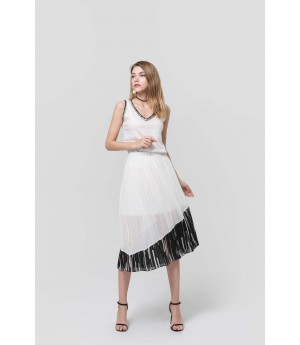 MacyMccoy white pleat half skirt