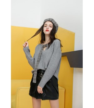 MacyMccoy V collar coloring lace sweater-Grey