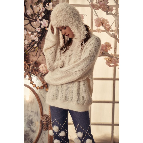 Marie Elie White knitted sweater