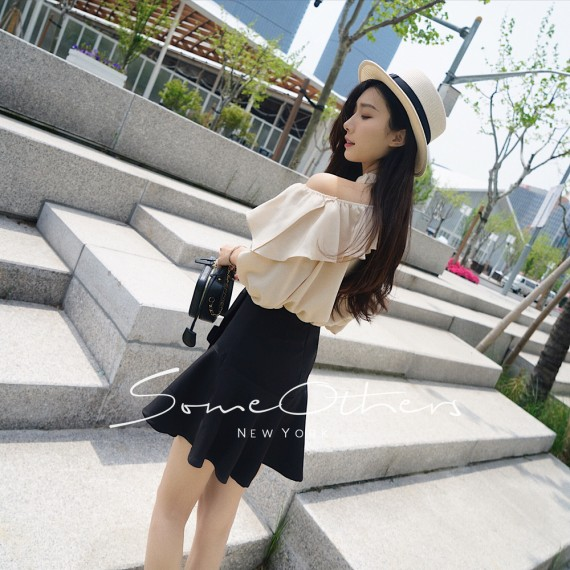 SomeOthers Shoulder Cut-Off Shirt-Apricot