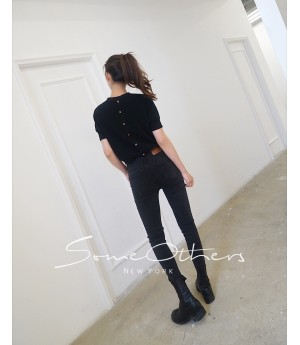 SomeOthers Buttoned Knit Tops-Black
